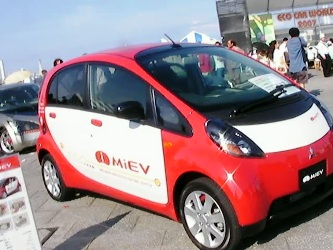 MiEV in front of Eco Car World Stage